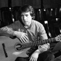 25 января родился Владимир Семёнович Высоцкий.(1938 —1980) поэт. исполнитель актёр